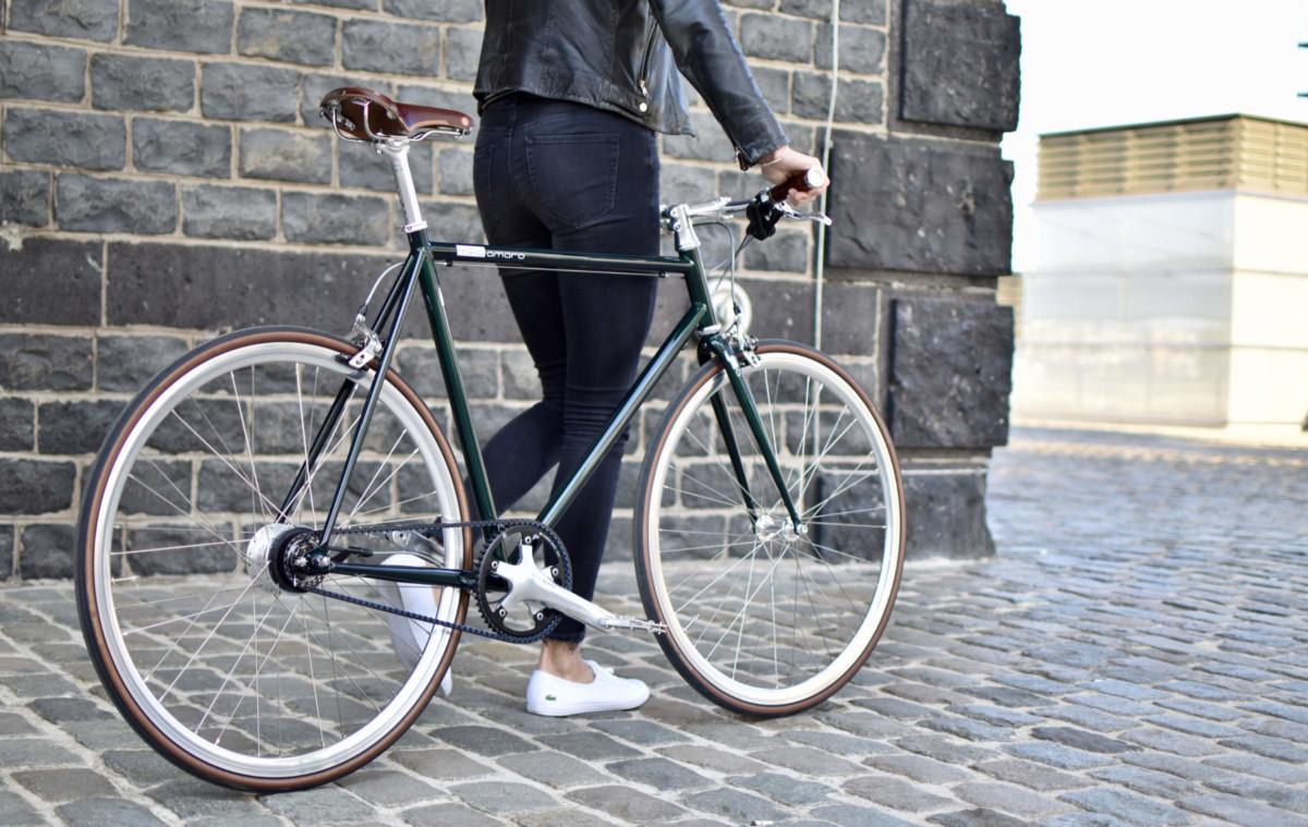 Urban Bike emerald green mit Brooks und Gates Carbon Drive