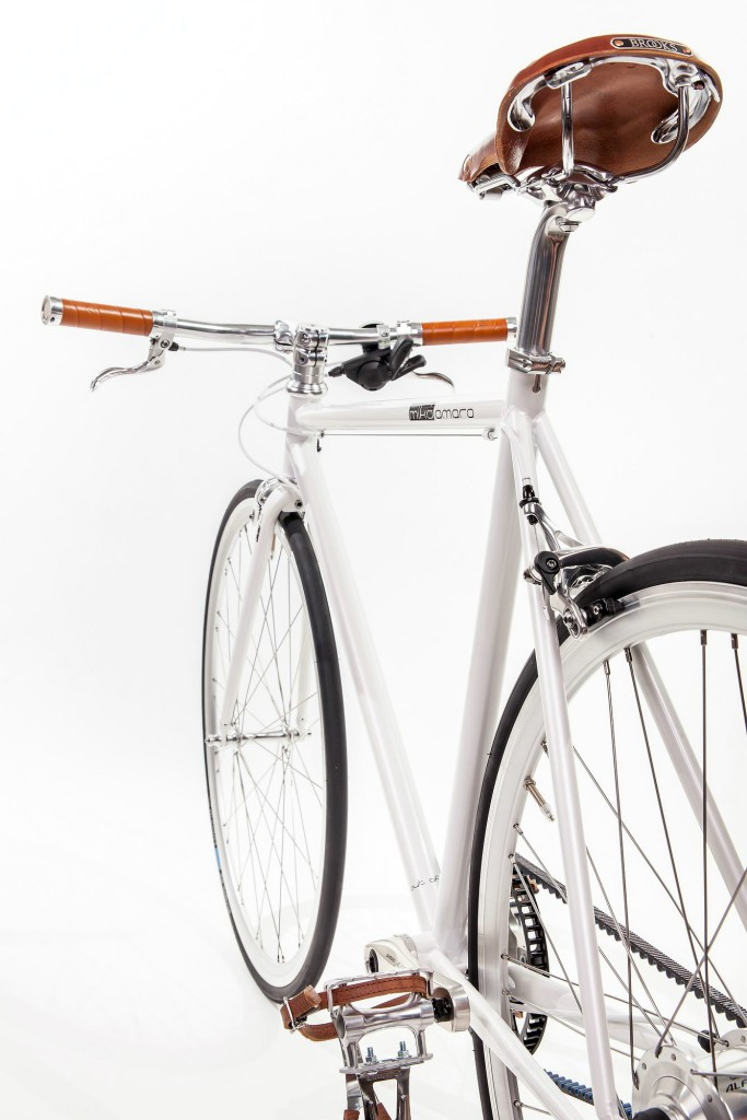 Urban Bike indy white Brooks leather saddle