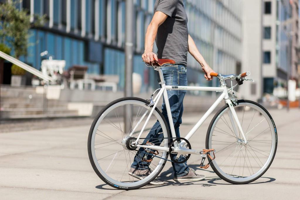 Urban Bike indy white 8 Speed Gates Carbon Drive, Brooks